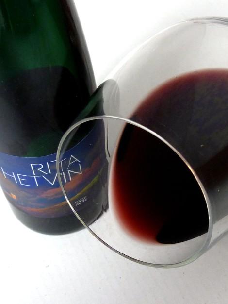 El ribete del vino Rita Hetvin.