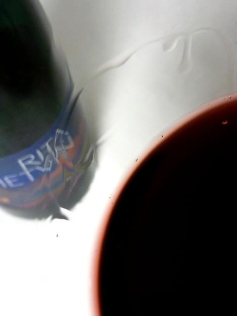 La lágrima del vino Rita Hetvin en la copa.