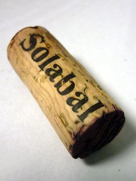 Detalle del tapón de corcho del vino Solabal Crianza.