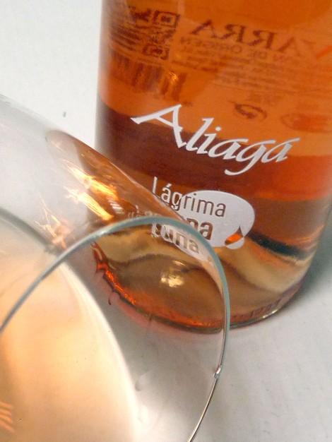 Detalle del vino Aliaga Lágrima de Luna.