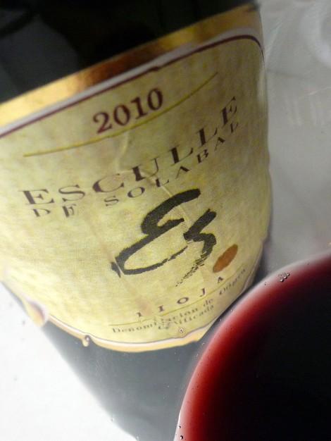 Detalle de la lágrima del vino Esculle de Solabal.