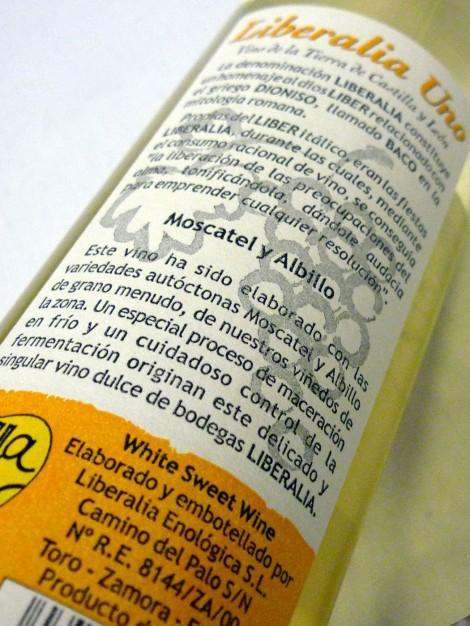 Contra-etiqueta del vino Liberalia Uno.