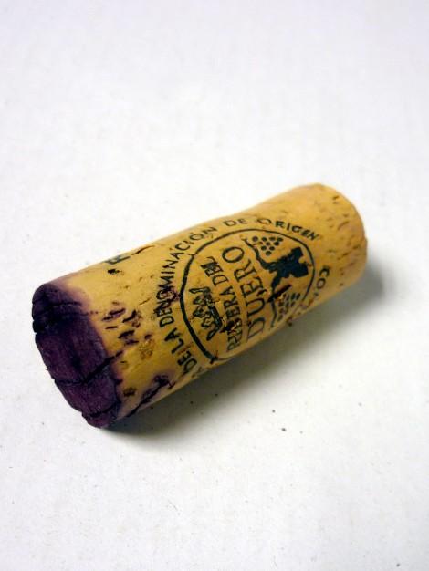 El tapón de corcho del vino MN Ribera del Duero.