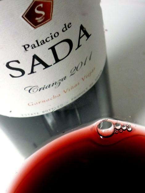 El color del vino de Palacio de Sada Crianza 2011.