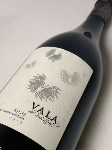 La botella del vino Vala de Solabal en su añada 2010.