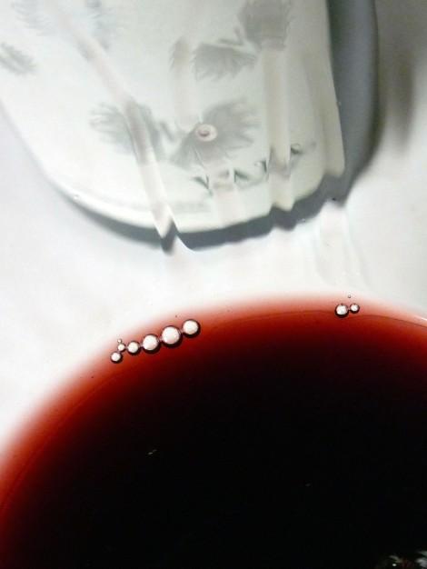 La lágrima del vino Vala de Solabal en la copa.