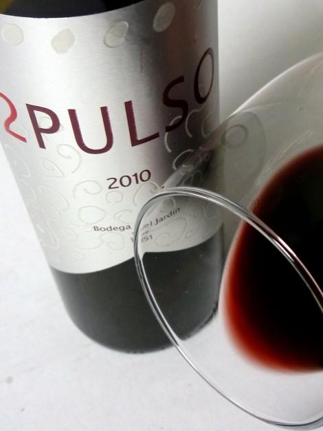 El ribete del vino 2 Pulso en la copa.