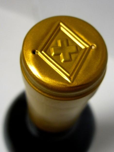Detalle de la cápsula del vino 3 Pulso.