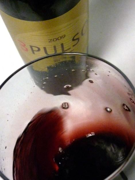 """""""mareando"""" al vino 3 Pulso en la copa."""