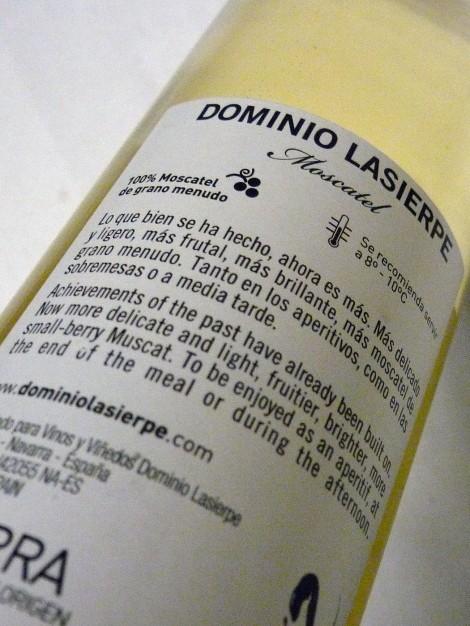 Contra etiqueta de Dominio Lasierpe Moscatel.