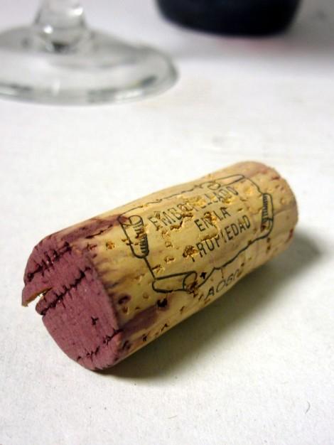 Detalle del tapón de corcho del vino Gratianus.