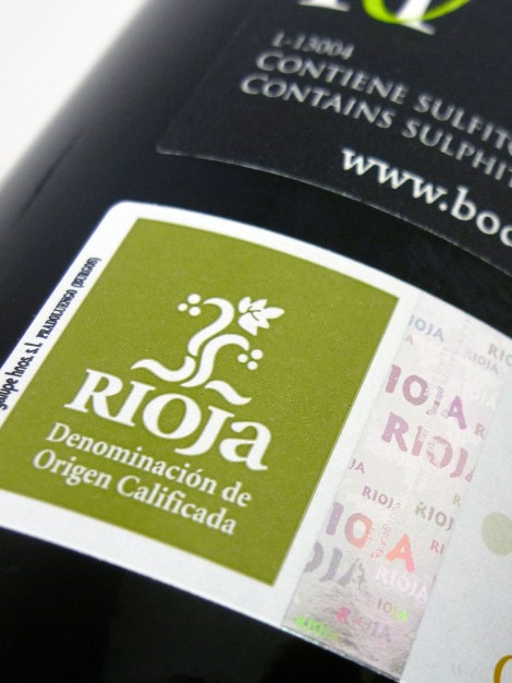 Sello de la D.O.Ca. Rioja en la botella de Horola.