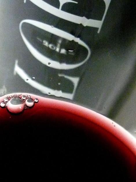 El color del vino de Loess Ribera del Duero.