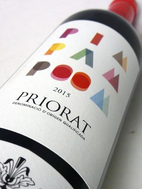 Botella del vino Pim Pam Poom y su etiqueta.
