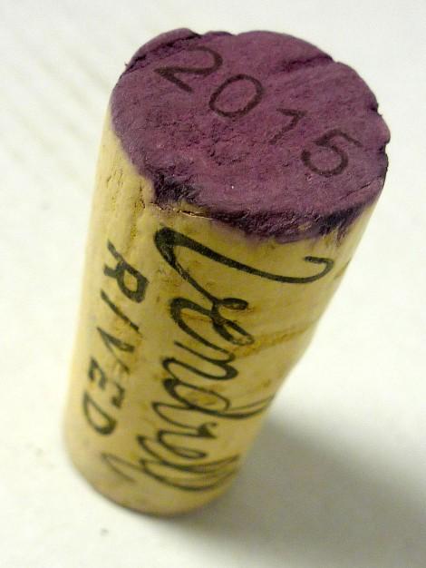 El tapón de corcho del vino Serè.