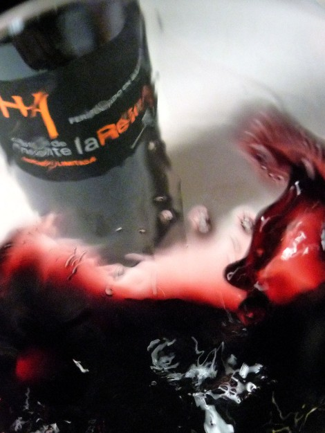 Tonos de color del vino Castillo de Monte la Reina Edición Limitada.