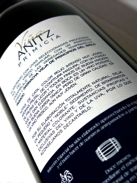 vina_antiz_primicia_2013_contra_etiqueta_vino