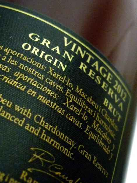 cava_duran_gran_reserva_brut_detalle_contra_etiqueta_botella