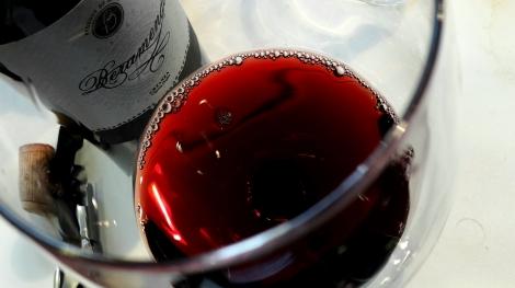 beramendi_cepas_viejas_color_vino_copa
