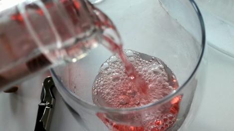 Secretum Leonardi Rosado siendo servido en la copa.