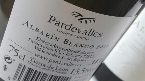 pardevalles_blanco_albarin_contra_etiqueta