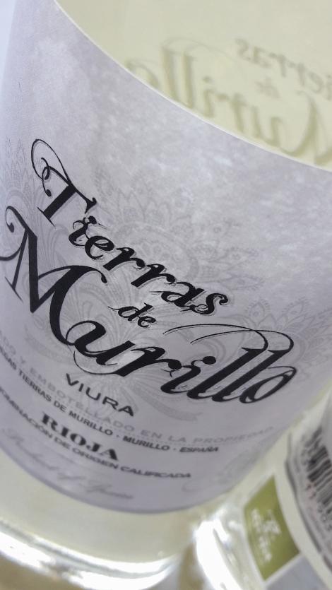 Etiquetado del vino Tierras de Murillo Viura.