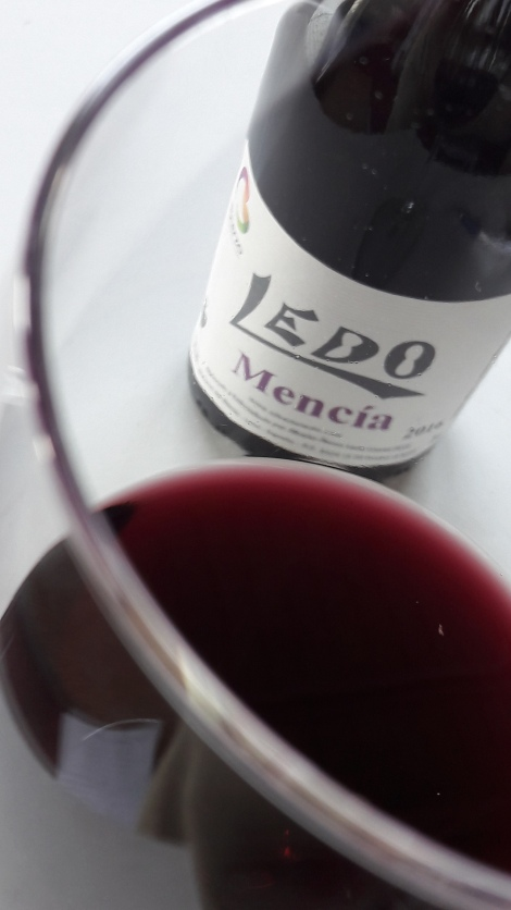 ledo_mencia_color_vino