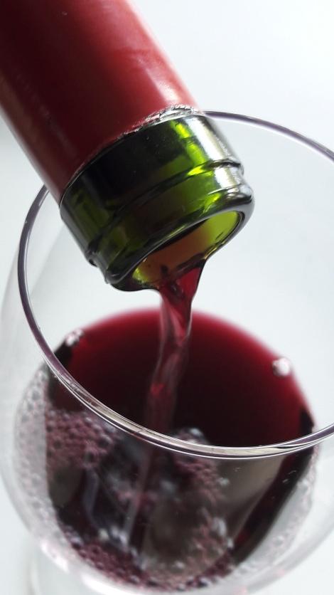ledo_mencia_servicio_vino