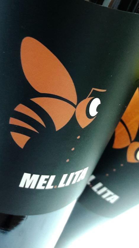 Etiquetado del vino Mel Lita Tinto 2015.