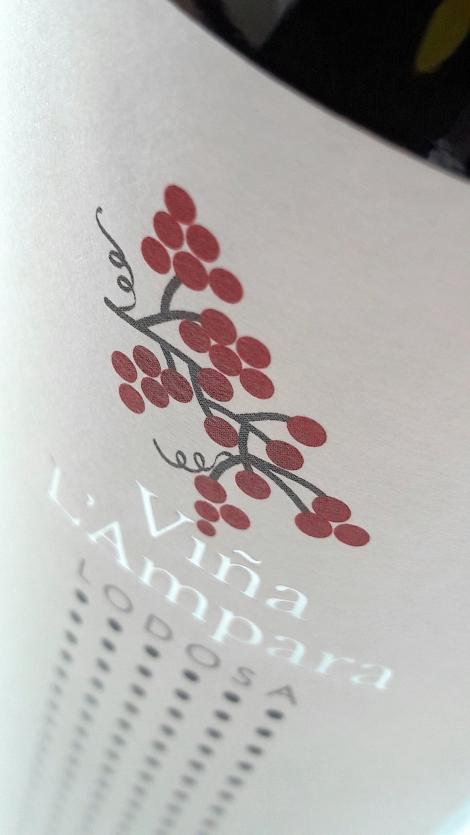 Etiquetado del vino Viña L´Ampara Tempranillo.
