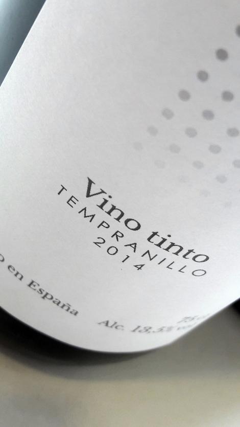 vina_l_ampara_tempranillo_detalle_etiquetado_botella