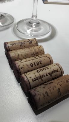 Los tapones de corcho del vino Massuria y sus 5 añadas.