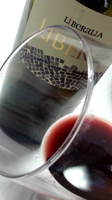 Detalle del ribete del vino Liber.