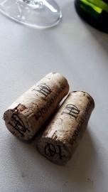 Los tapones de corcho del vino Horola Viura, de las dos añadas.