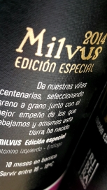 Detalle de la contra etiqueta del vino Milvus Edición Especial.