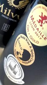 Medallas en la botella de Milvus Edición Especial.
