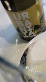 Detalle del vino Urbanita en la copa.