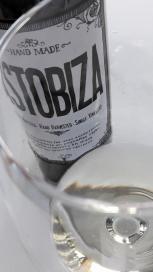 Detalle del vino Txakoli Astobiza 2015.