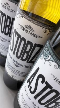 Las 3 botellas de Txakoli Astobiza.