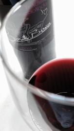 Detalle del color del vino Basilio Berisa Vendimia Seleccionada.