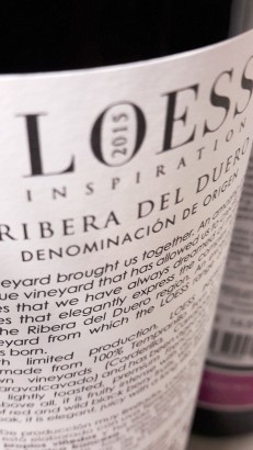Contra etiqueta del vino Loess Inspiration 2015.