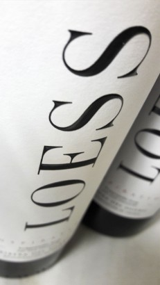 Etiquetado del vino Loess Inspiration 2015.