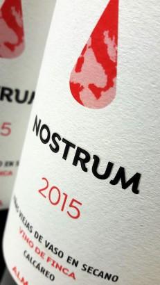 Etiqueta del vino Nostrum 2015.