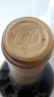 Detalle de la cápsula del vino Pazo Pegullal Albariño.
