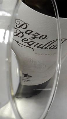 El ribete del vino Pazo Pegullal Albariño.
