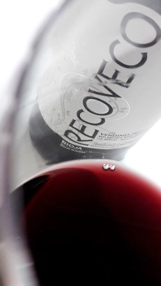 Detalle del vino Recoveco Vendimia Seleccionada 2012 en la copa.
