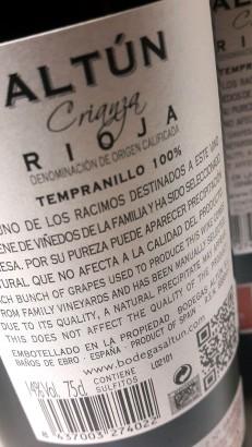 Contra etiqueta de la botella de Altún Crianza 2014.