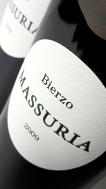 Etiqueta del vino Massuria 2009.