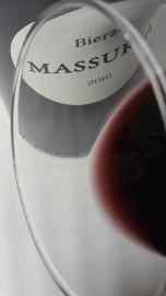 Ribete del vino Massuria.