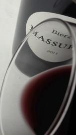 El ribete del vino Massuria 2012.